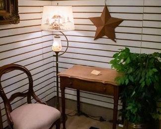 Very old vintage floor lamp!
