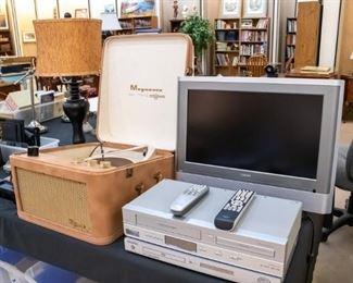 Vintage tube Magnavox Record Player