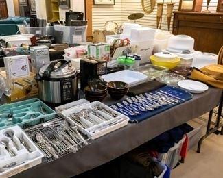 Silverware, Emson Smoker, kitchen accessories, bakeware, etc.