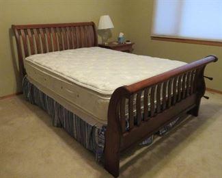 Thomasville Queen Sleigh Bed W/Pillowtop Mattress