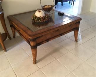 Haverty's coffee table