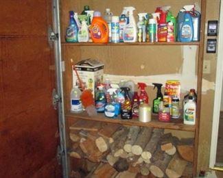Garage:  Wood, Chems