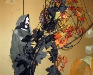 Garage:  Halloween Stuff