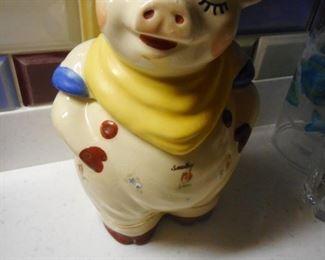 Shawnee Smiley Pig Cookie Jar. Eyes Closed