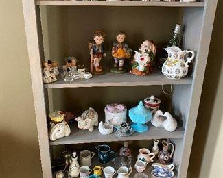 Shelf of Knicky Novely Knacks