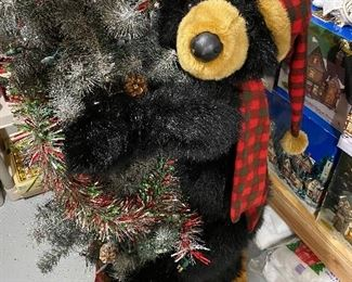 Adorable!! Look good in Cabin all year, Christmas Display..anywhere.