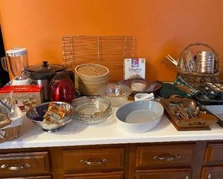 Baking, Apple Peeler, Mixing Bowls
