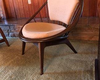Side profile of Danish Hoop Chair