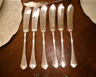 STERLING ENGLISH BUTTER KNIVES