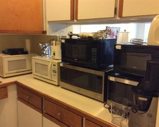 Small Kitchen Appliances. Large Selection of Microwaves.