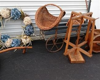 Baskets, Wreaths,Primitives