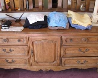 More Shabby Chic styled beach looking furniture. All dovetailed, quality built Davis furniture.