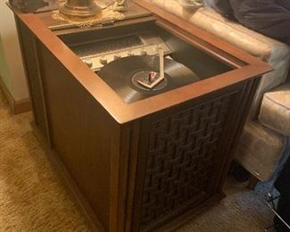 Sliding top Magnavox record player/radio end table. Matching table is for record storage!