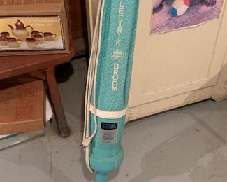 Regina electric broom