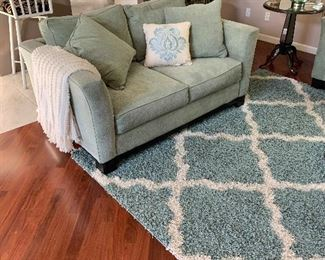 3 year old love seat with decor pillows