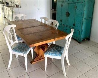 Beautiful pine farm table