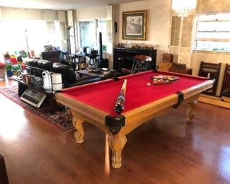 Olhausen Pool Table - Excellent  Condition!