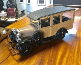 """JIM BEAM"" 1929 Ford Woody Wagon Decanter"