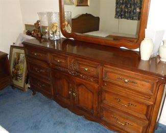 Matching dresser w/ mirror by Dixie