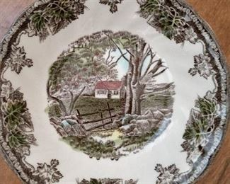 STUNNING.....JOHNSON BROTHERS ..FRIENDLY VILLAGE CHINA SET....HUGE COMPLETE SET W/ BONUS SERVING PIECES.....WOW!!