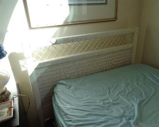 twin bed w/wicker headboard