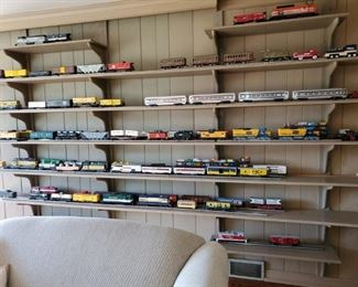 Lionel, Trains,  large Train Collection, most with boxes  See bottom picture or detail descriptions for all the info on trains.