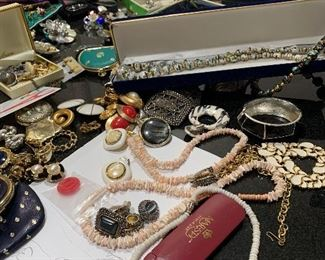Lots of Jewerly