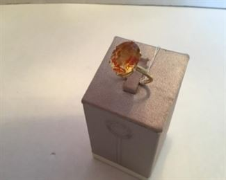 Ring Citrine oval stone on 14kt yellow gold size 6.5