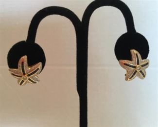 Pair of earrings - 14kt yellow gold with diamonds and sapphires - starfish
