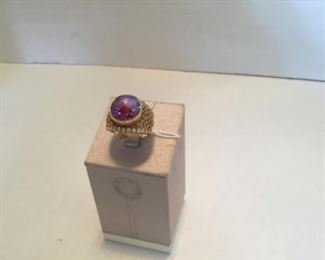 Ring - 18kt yellow gold & large amethyst stone ring with diamonds - 12 grams -