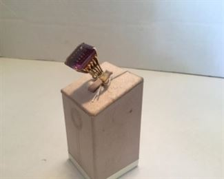 Ring 14kt yellow gold square large amethyst