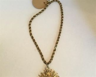 Trifari vintage jewelry chain & pendant cote of arms