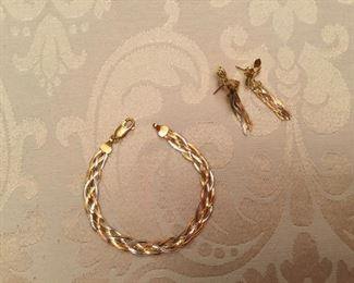 18kt tri color gold bracelet & earrings flat rope style - 10 grams