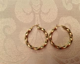 "14kt gold Italy, twisted hoops - 1 3/4"" D"
