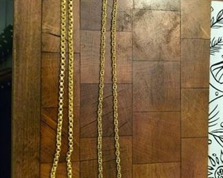 22 kt gold chains.  BAHT from Thailand - Left one 30 grams, right one is 40 grams-