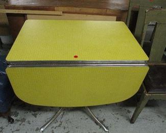 1950'S RETRO TABLE
