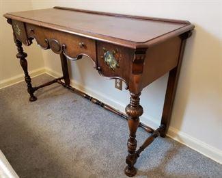 Antique Side Table https://ctbids.com/#!/description/share/305964