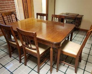 Jefferson Wood Working Co. Dining Room Set https://ctbids.com/#!/description/share/306406