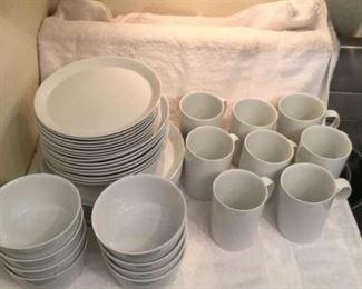Service for Eight Dinnerware https://ctbids.com/#!/description/share/306903