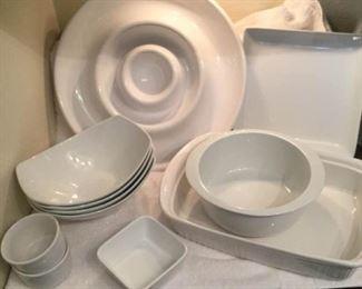 White Cookware https://ctbids.com/#!/description/share/306902