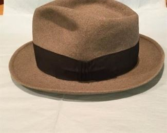 Borsalino Misto hat https://ctbids.com/#!/description/share/307226