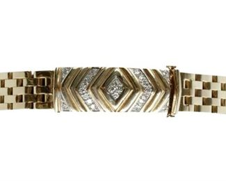 2. Yellow Gold Flat Link Bracelet With 22 Diamonds