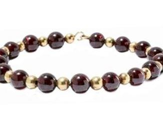 11. 14K Garnrt And Gold Beaded Bracelet