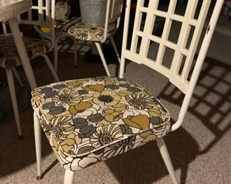 Fabulous MCM Dining Set - Table with 4 Chairs