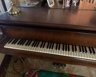 Hardman Piano