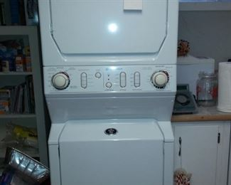 Stacking Washer & Dryer Unit