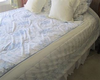 QUEEN SIZE LIKE NEW SLEEP NUMBER