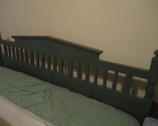 QUEEN SIZE HEAD AND FOOT BOARD