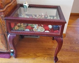 Open top display table