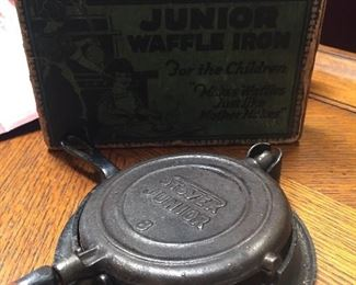 Stover - Child's toy waffle maker